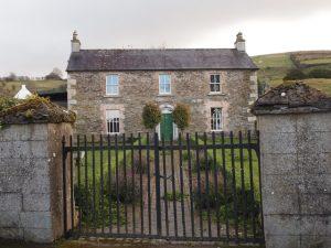 כיצד לבחור את עיצוב השערים האוטומטי הנכון לביתך